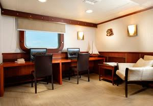 Business- Centre-Galapagos-Cruise