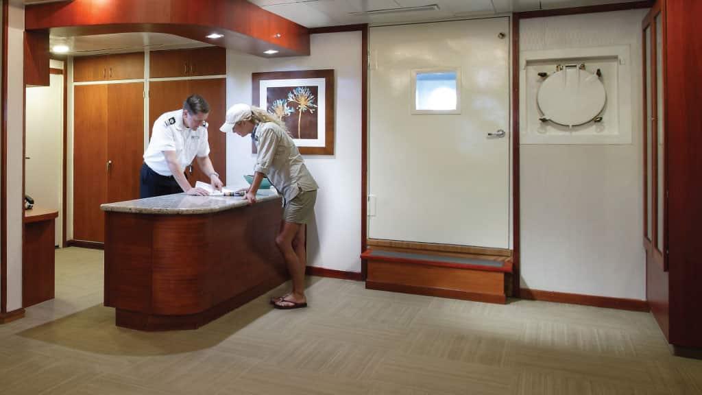Yacht Isabela Captain Indications