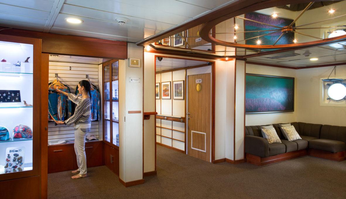 Yacht Isabela II – Social Area – Gift Shop