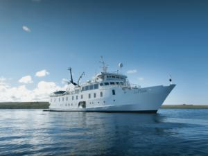 Yacht La Pinta