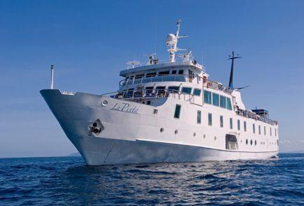 Yacht La Pinta.