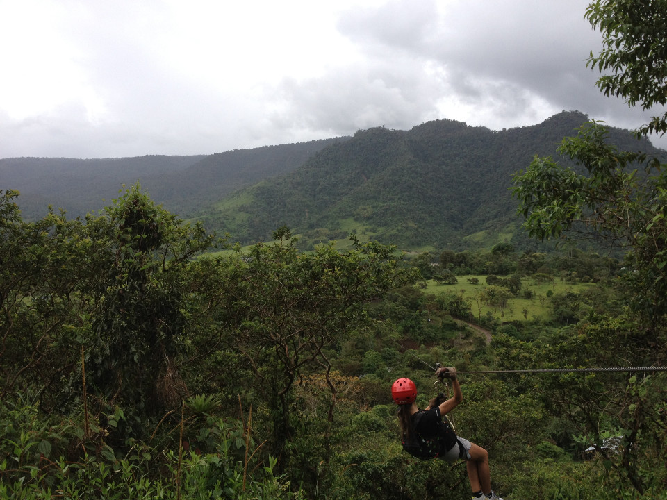 Zip-lining in Mindo. Photo credit: sealio550 Wikimedia Commons