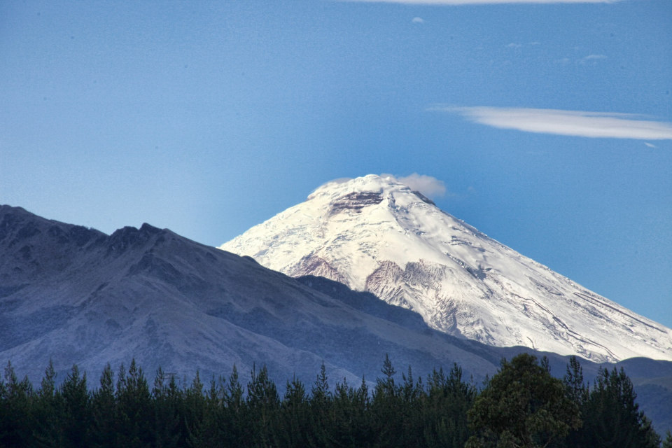 Cotopaxi seen from the highway