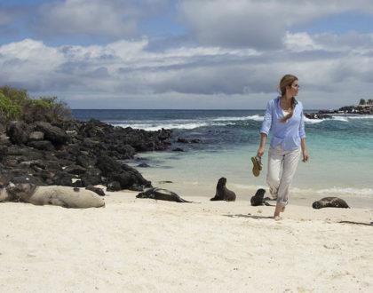 Guest walking through the beach.