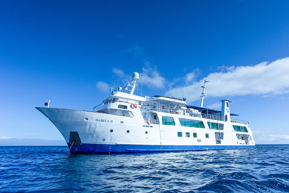 Galapagos cost: Expedition vessels