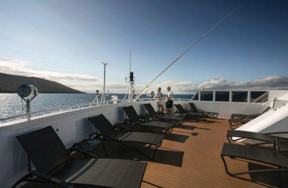 Solarium sun deck in Santa Cruz II cruise.