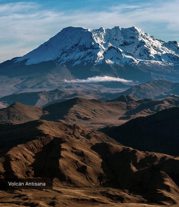 Vista del volcán Antisana.
